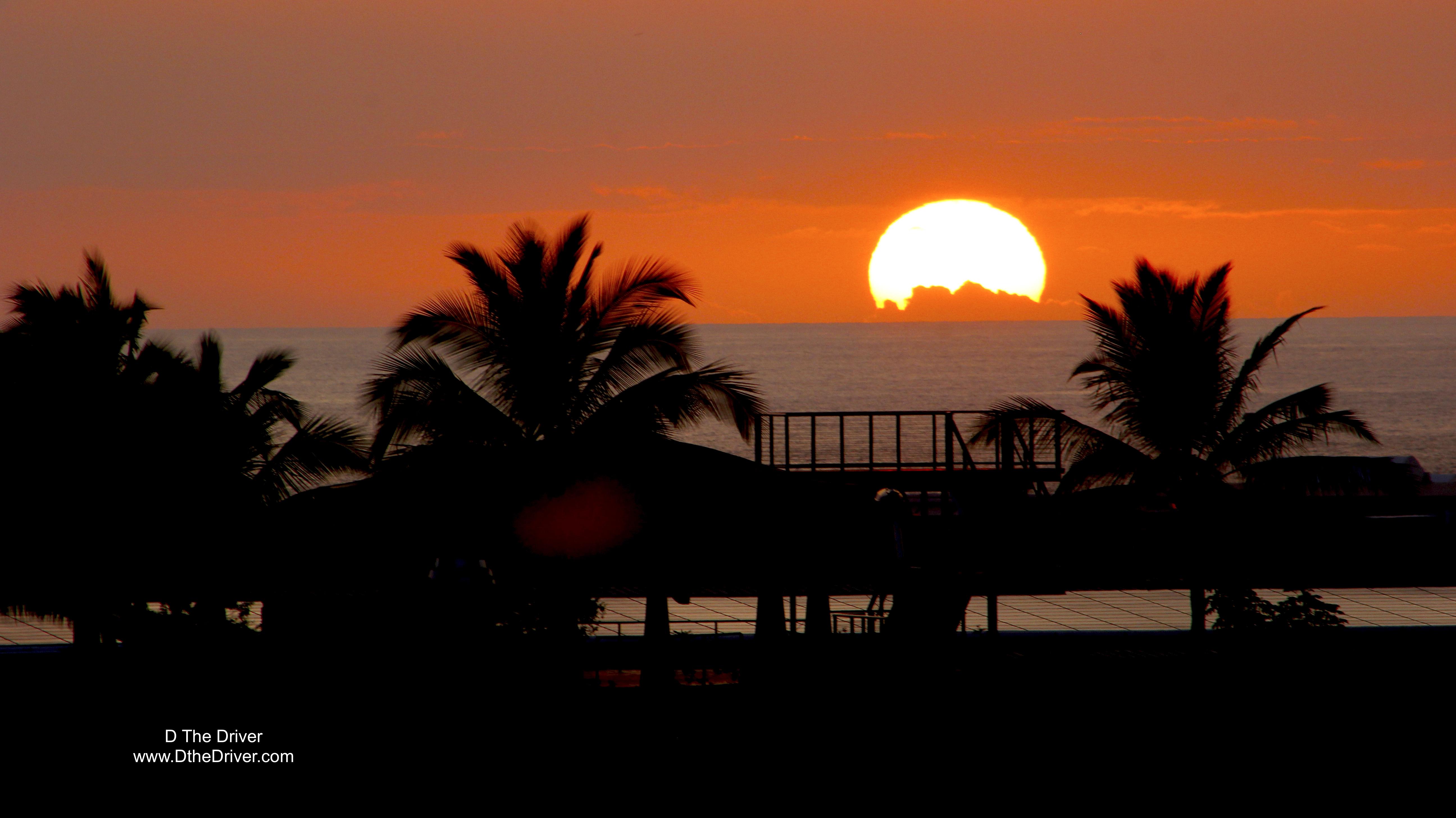 The Sun sets in Kona
